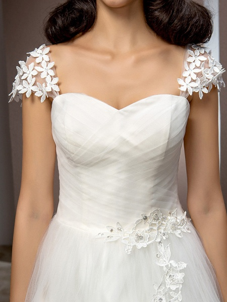 Ball Gown Square Neck Court Train Tulle Short Sleeve Wedding Dresses_7