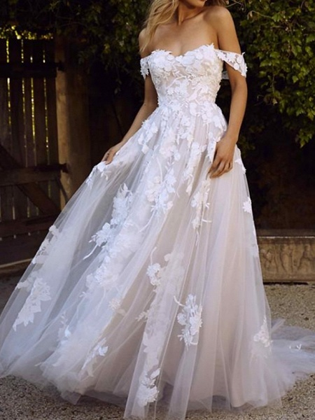 A-Line Wedding Dresses Off Shoulder Sweep \ Brush Train Lace Short Sleeve Country Plus Size_3