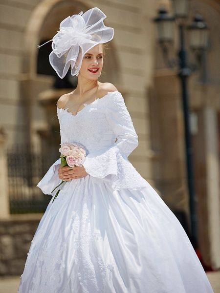 Ball Gown V Neck Chapel Train Satin Long Sleeve Wedding Dresses_8