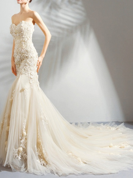 Mermaid \ Trumpet Wedding Dresses Strapless Court Train Chiffon Tulle Strapless Formal Wedding Dress in Color Illusion Detail Plus Size_3
