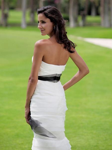Mermaid \ Trumpet Wedding Dresses Strapless Floor Length Organza Satin Sleeveless Wedding Dress in Color_7