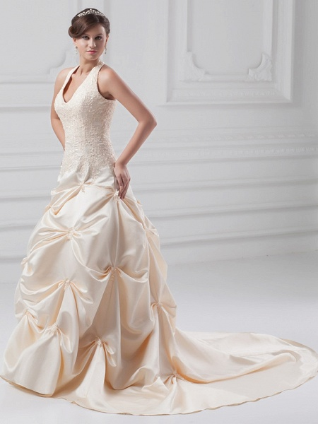 A-Line Halter Neck Chapel Train Lace Satin Regular Straps Wedding Dresses_2