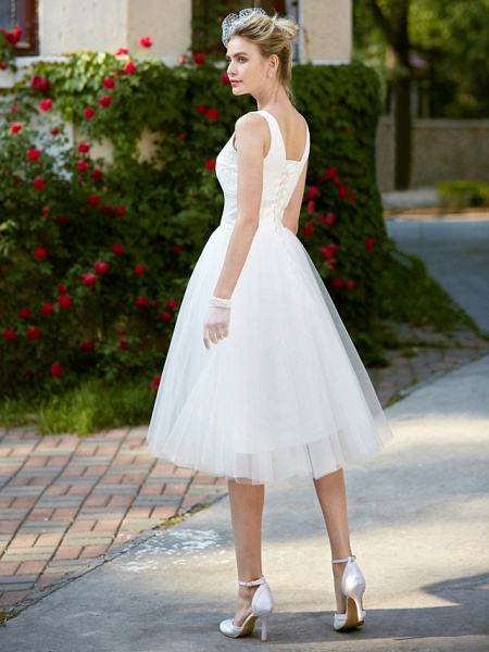 A-Line Wedding Dresses Square Neck Knee Length Lace Tulle Regular Straps Simple Casual Vintage Plus Size Cute_2