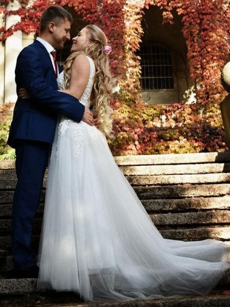 Elegant Champagne Appliques A-line Lace Wedding Dress_1