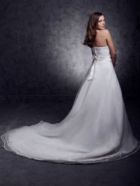 Princess A-Line Wedding Dresses Strapless Sweetheart Neckline Court Train Organza Satin Sleeveless_8