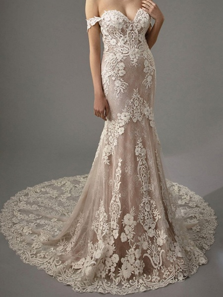 Sheath \ Column Sweetheart Neckline Chapel Train Lace Sleeveless Vintage Sexy Wedding Dress in Color Wedding Dresses_4