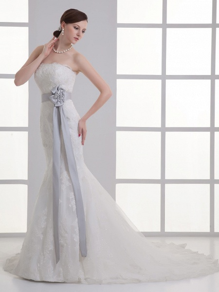 Mermaid \ Trumpet Strapless Chapel Train Lace Satin Strapless Wedding Dresses_2
