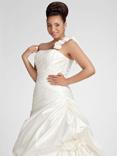A-Line Wedding Dresses One Shoulder Sweep \ Brush Train Satin Strapless Formal Simple Little White Dress Plus Size_10