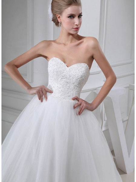 A-Line Sweetheart Neckline Chapel Train Lace Satin Tulle Strapless Wedding Dresses_4