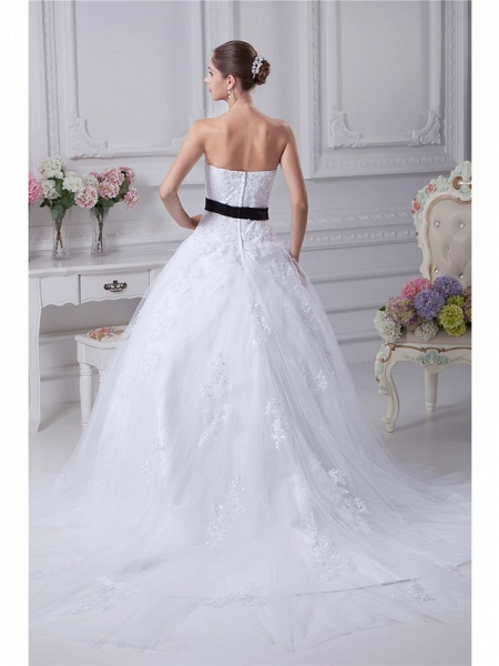 Ball Gown Sweetheart Neckline Chapel Train Lace Satin Tulle Strapless Wedding Dresses_3