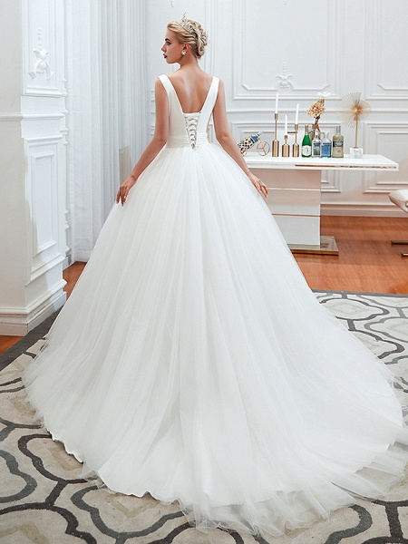 Ball Gown Wedding Dresses V Neck Court Train Tulle Regular Straps Simple Glamorous Backless_2