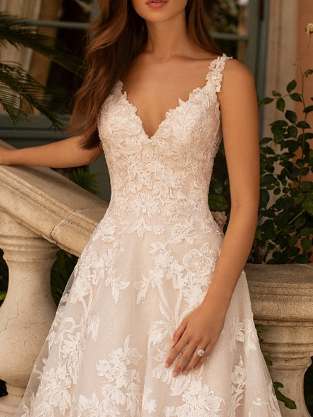 A-Line V Neck Court Train Polyester Sleeveless Formal Plus Size Wedding Dresses_2