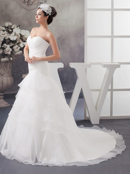 A-Line Sweetheart Neckline Chapel Train Organza Strapless Wedding Dresses_2