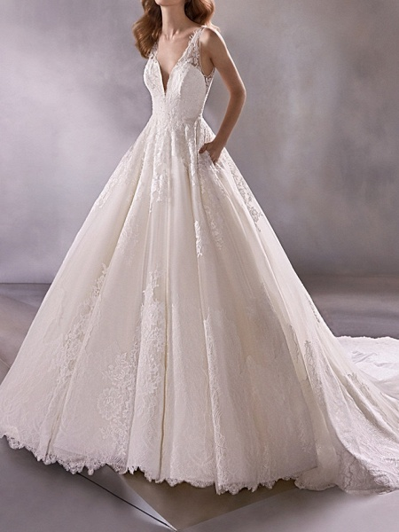 A-Line Plunging Neck Court Train Lace Tulle Sleeveless Country Plus Size Wedding Dresses_1