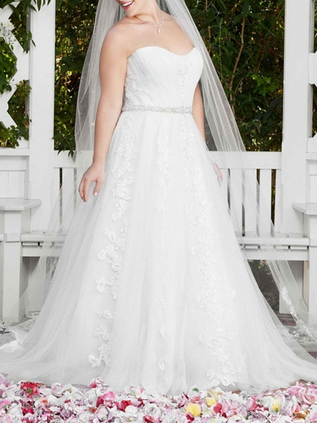 A-Line Wedding Dresses Sweetheart Neckline Court Train Lace Sleeveless Sexy Wedding Dress in Color_7
