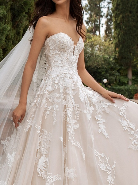 A-Line Sweetheart Neckline Sweep \ Brush Train Lace Strapless Romantic Illusion Detail Wedding Dresses_3