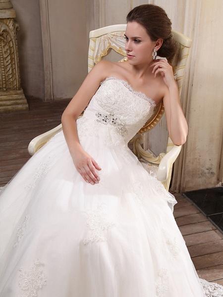 Princess A-Line Strapless Scalloped-Edge Chapel Train Satin Tulle Sleeveless Wedding Dresses_5