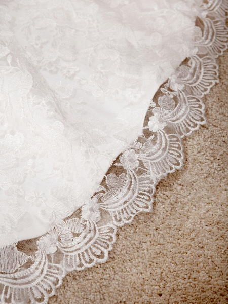 Princess A-Line Wedding Dresses Sweetheart Neckline Court Train Lace Sleeveless Floral Lace_9