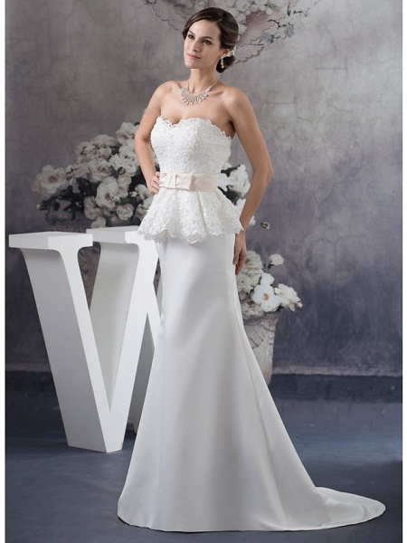Sheath \ Column Wedding Dresses Sweetheart Neckline Court Train Lace Satin Strapless_2