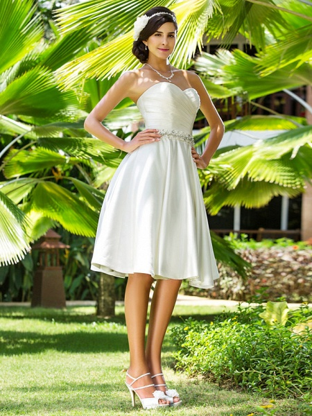A-Line Wedding Dresses Sweetheart Neckline Knee Length Satin Strapless Country Beach Little White Dress Plus Size_4