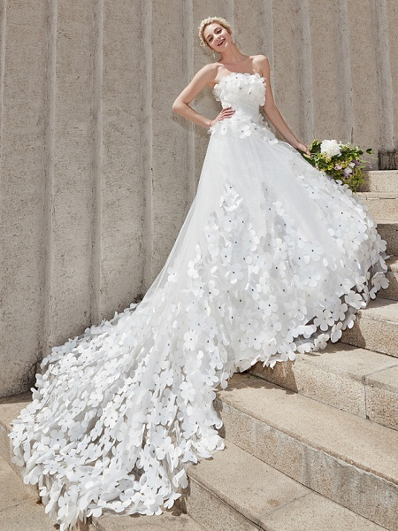 Ball Gown Wedding Dresses Strapless Court Train Tulle Strapless Country Glamorous Plus Size_15