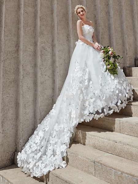 Ball Gown Wedding Dresses Strapless Court Train Tulle Strapless Country Glamorous Plus Size_12