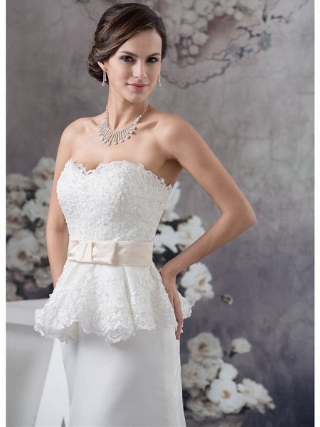Sheath \ Column Wedding Dresses Sweetheart Neckline Court Train Lace Satin Strapless_4