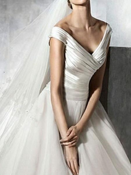 A-Line Wedding Dresses V Neck Sweep \ Brush Train Satin Tulle Cap Sleeve Simple Elegant_2