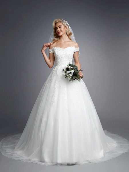 Ball Gown Wedding Dresses Off Shoulder Court Train Lace Tulle Short Sleeve Romantic Sparkle & Shine_4