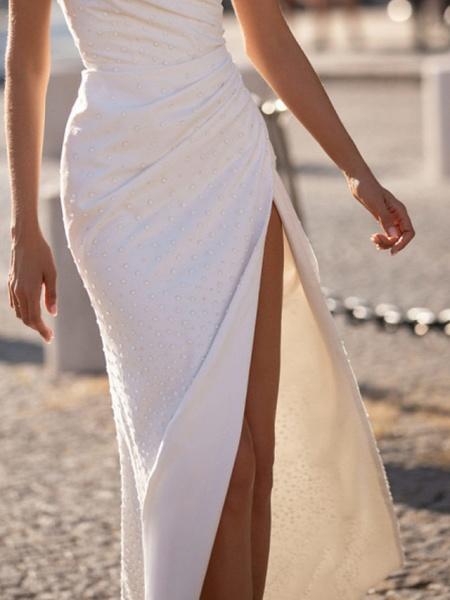 Sheath \ Column Wedding Dresses V Neck Floor Length Polyester Sleeveless Beach Plus Size_2