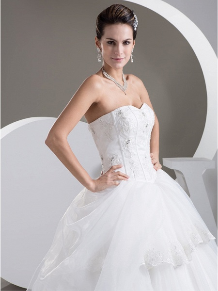 Ball Gown Sweetheart Neckline Floor Length Lace Organza Satin Strapless Wedding Dresses_4