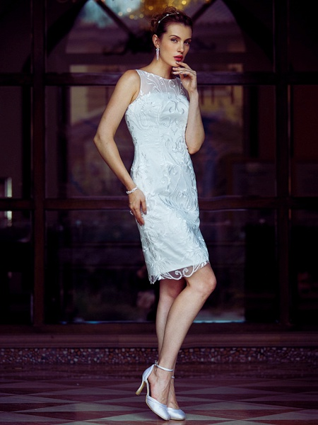 Sheath \ Column Wedding Dresses Bateau Neck Knee Length Metallic Lace Sleeveless Little White Dress See-Through_3