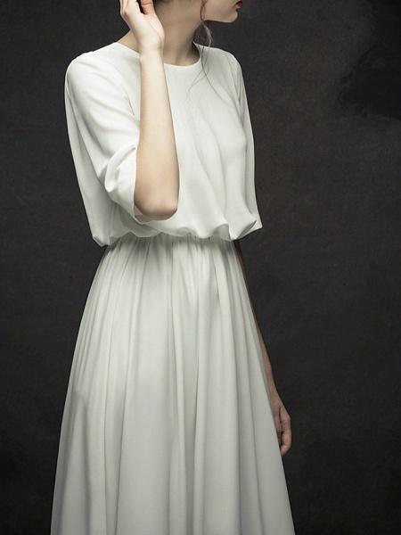 A-Line Wedding Dresses Jewel Neck Sweep \ Brush Train Chiffon Satin Half Sleeve Simple Elegant_2