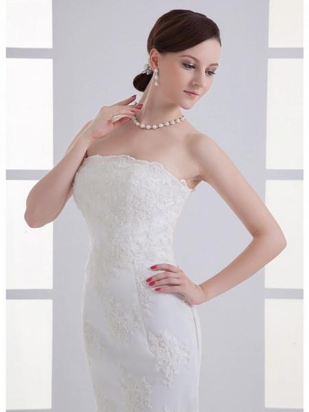 Mermaid \ Trumpet Strapless Court Train Lace Satin Tulle Strapless Wedding Dresses_4