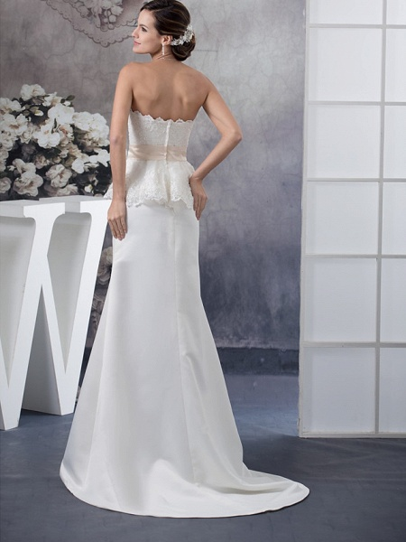 Sheath \ Column Wedding Dresses Sweetheart Neckline Court Train Lace Satin Strapless_3