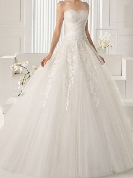 A-Line Wedding Dresses Strapless Sweep \ Brush Train Lace Sleeveless Beach_1