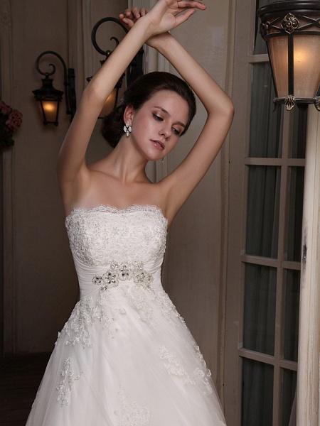 Princess A-Line Strapless Scalloped-Edge Chapel Train Satin Tulle Sleeveless Wedding Dresses_6
