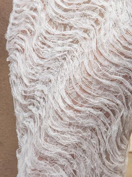 Mermaid \ Trumpet Sweetheart Neckline Court Train Lace Satin Tulle Sleeveless Wedding Dress in Color Wedding Dresses_7