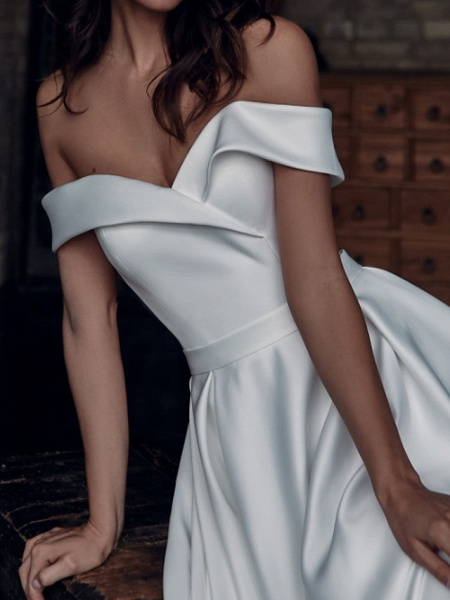 A-Line Wedding Dresses Off Shoulder Sweep \ Brush Train Stretch Satin Short Sleeve Country Plus Size_4