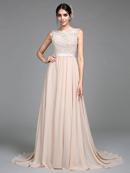 A-Line Empire White Wedding Guest Formal Evening Dress Jewel Neck Sleeveless Court Train Chiffon Lace Bodice_1