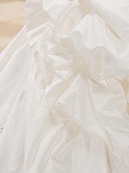 Ball Gown Sweetheart Neckline Court Train Taffeta Sleeveless Wedding Dresses_9