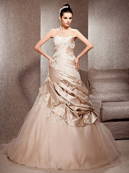 Ball Gown Strapless Court Train Satin Tulle Sleeveless Wedding Dress in Color Wedding Dresses_1