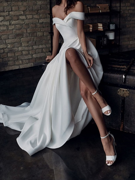 A-Line Wedding Dresses Off Shoulder Sweep \ Brush Train Stretch Satin Short Sleeve Country Plus Size_3