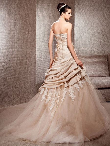 Ball Gown Strapless Court Train Satin Tulle Sleeveless Wedding Dress in Color Wedding Dresses_4