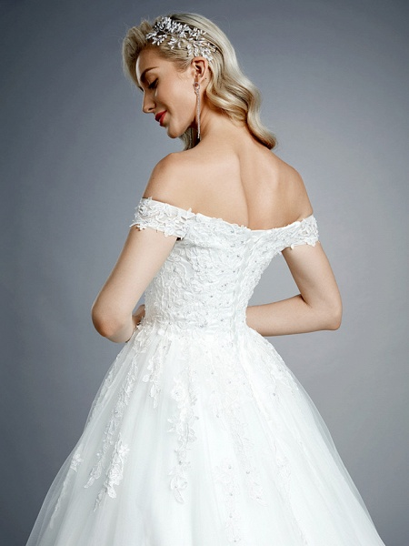 Ball Gown Wedding Dresses Off Shoulder Court Train Lace Tulle Short Sleeve Romantic Sparkle & Shine_9