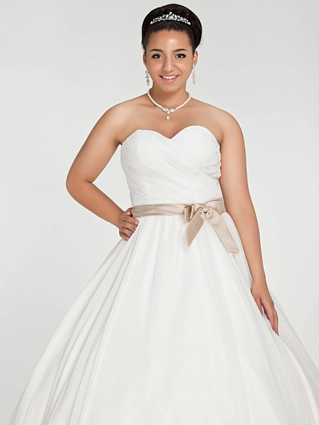 Ball Gown Wedding Dresses Sweetheart Neckline Court Train Chiffon Strapless Simple Vintage Plus Size Backless Cute_5