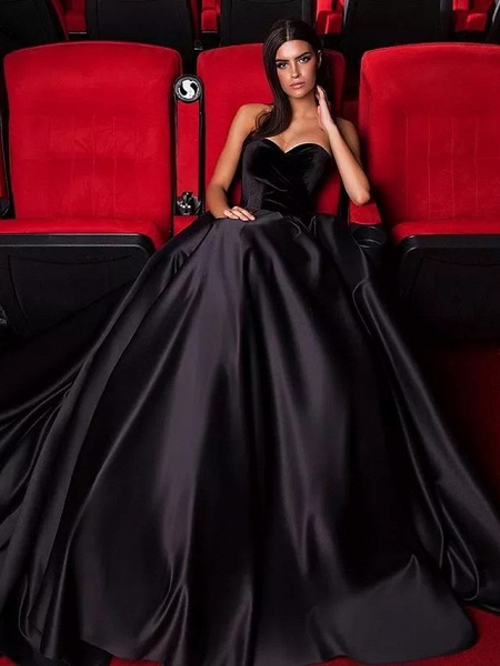 Ball Gown Strapless Court Train Tulle Polyester Strapless Sexy Plus Size Black Modern Wedding Dresses_1