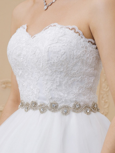 Ball Gown Sweetheart Neckline Chapel Train Tulle Lace Over Tulle Strapless Glamorous Sparkle & Shine Wedding Dresses_6