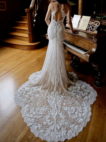 Sheath \ Column Wedding Dresses Jewel Neck Chapel Train Lace Sleeveless Sexy Wedding Dress in Color_2