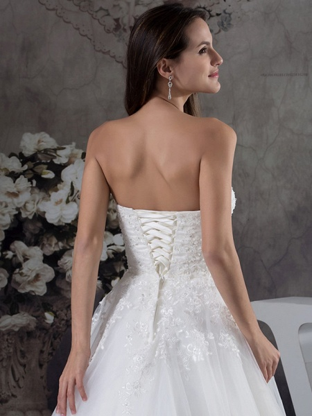 A-Line Sweetheart Neckline Court Train Lace Tulle Strapless Wedding Dresses_5